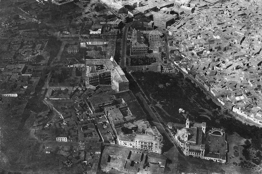 Aerial photo of central Baku by Victor Korvin-Kerber. 1918