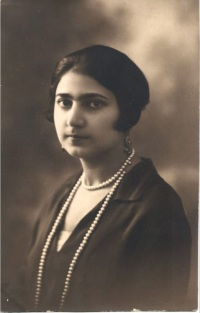 Sara Ashurbeyli during her studentship at Azerbaijan State University, end of the 1920s