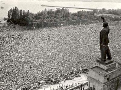 Massive rally at the Lenin Square of Baku, 1988.