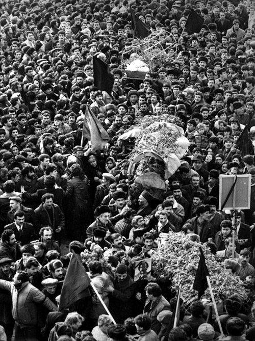 Burial of the victims of the 20 January in Baku.