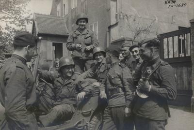 1945.04-1684-0_11bbc_4e91f931_orig