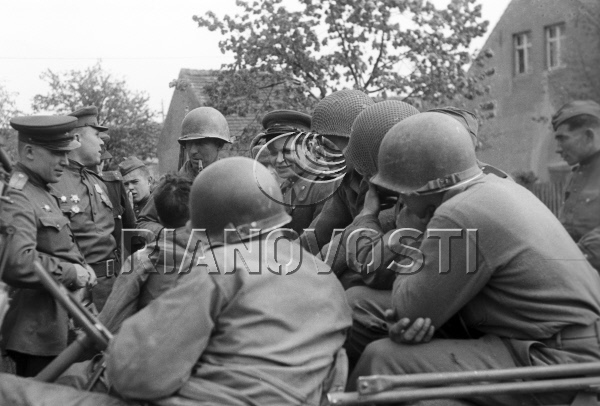 A rare photo showing Lieutenant Kotzebue smoking his pipe by Khomzor. Source: RIA Novosti